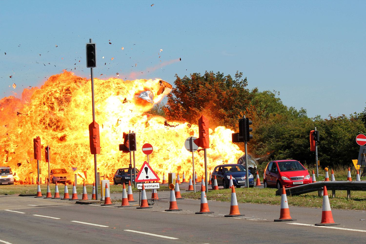 Dramatic New Details Of Shoreham Airshow Crash Have Been Revealed UNILAD Sunday Mirror8