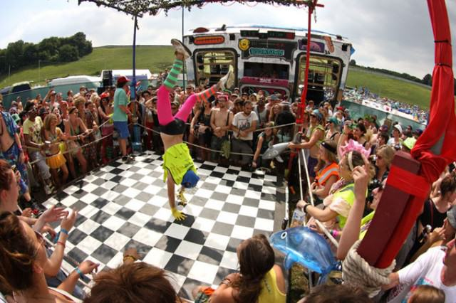 Is Boomtown Fair The Maddest Festival On Earth? UNILAD The Dance Off2 640x426