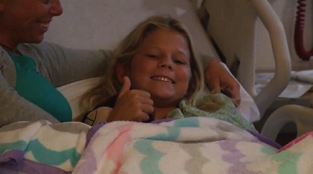 10 Year Old Girl Saves Friend From Shark, After Being Bitten Herself UNILAD WJXT2