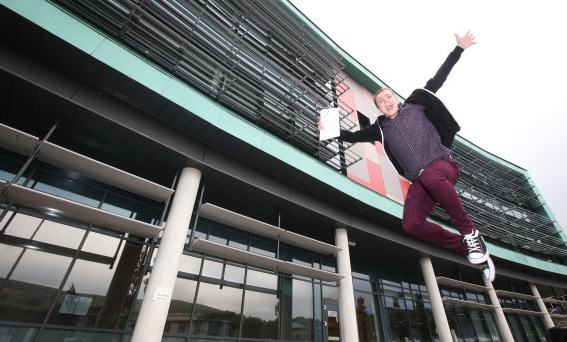 Homeless Student Gets Straight A*s And Wins Himself A Place At Cambridge UNILAD WNS3