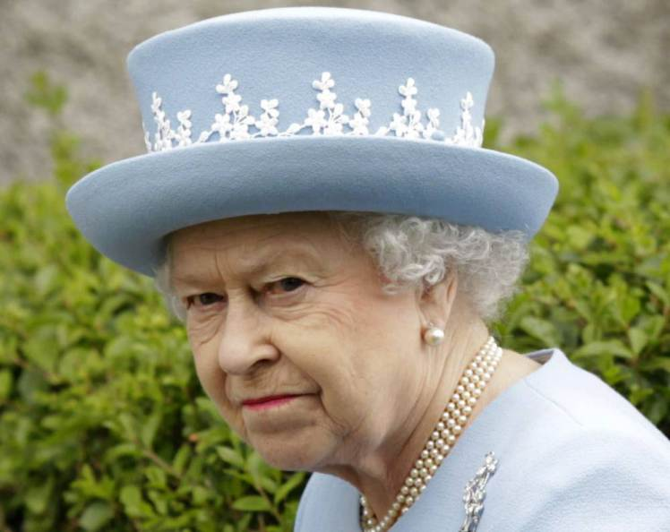 ISIS Plot To Blow Up The Queen During VJ Day Celebrations UNILAD ad 12269052713