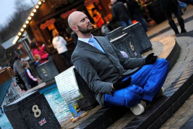 Street Entertainer Who Stood On His Head In A Bucket Dies Aged 23 UNILAD ad 1782418812