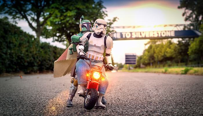 Awesome Photos Imagine What Stormtroopers Get Up To On Their Days Off UNILAD bobba fett2