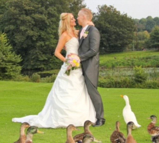 Couple Who Wanted To Lose Weight Before Their Wedding Are Now Bodybuilders UNILAD bodybuilding couple WEB 35