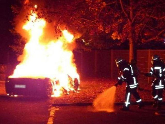 This Guy Torched His Ferrari So Daddy Would Buy Him A New One UNILAD burnt car 22