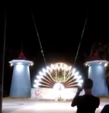 Terrifying Moment Slingshot Ride SNAPS And Sends Riders Hurtling Out Of Control UNILAD jpeg7