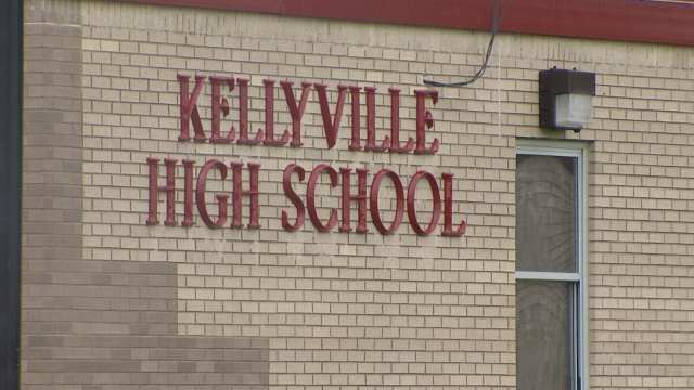 High School Teacher Accused Of Bedding Pupil Who Suddenly Gained Top Grades UNILAD kjrh5