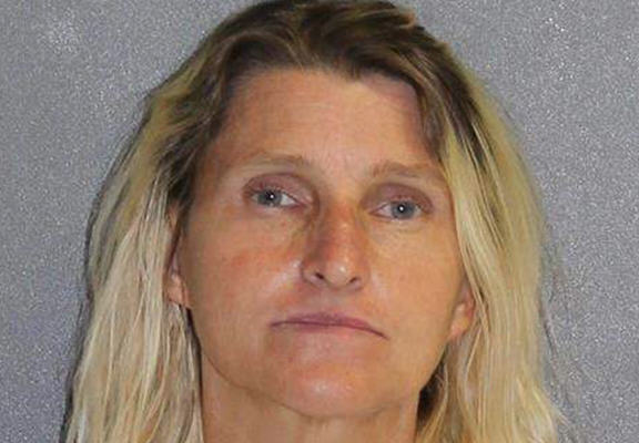 Woman In Florida Wanted Daughters Homeless Boyfriend Killed UNILAD lice web8