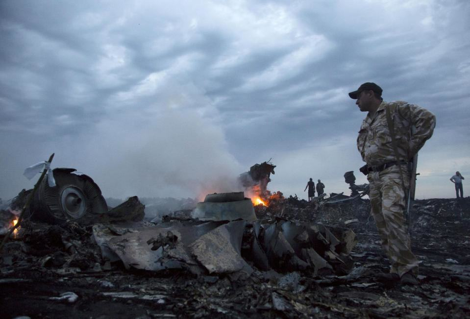 Russian Missile Parts Found At MH17 Crash Site In Ukraine UNILAD mh 17 find 16