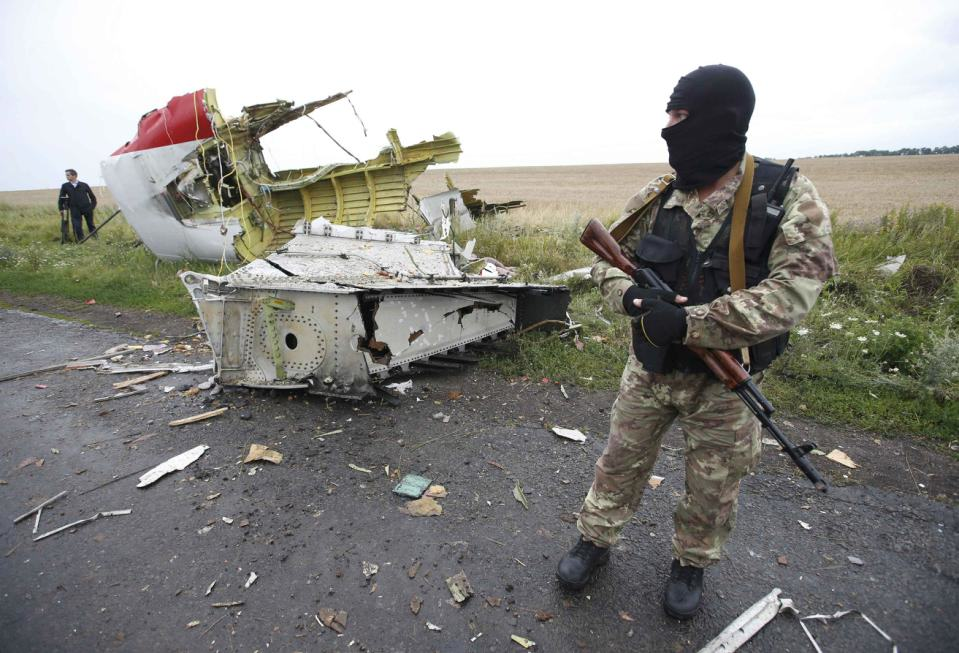 Russian Missile Parts Found At MH17 Crash Site In Ukraine UNILAD mh 17 find 26