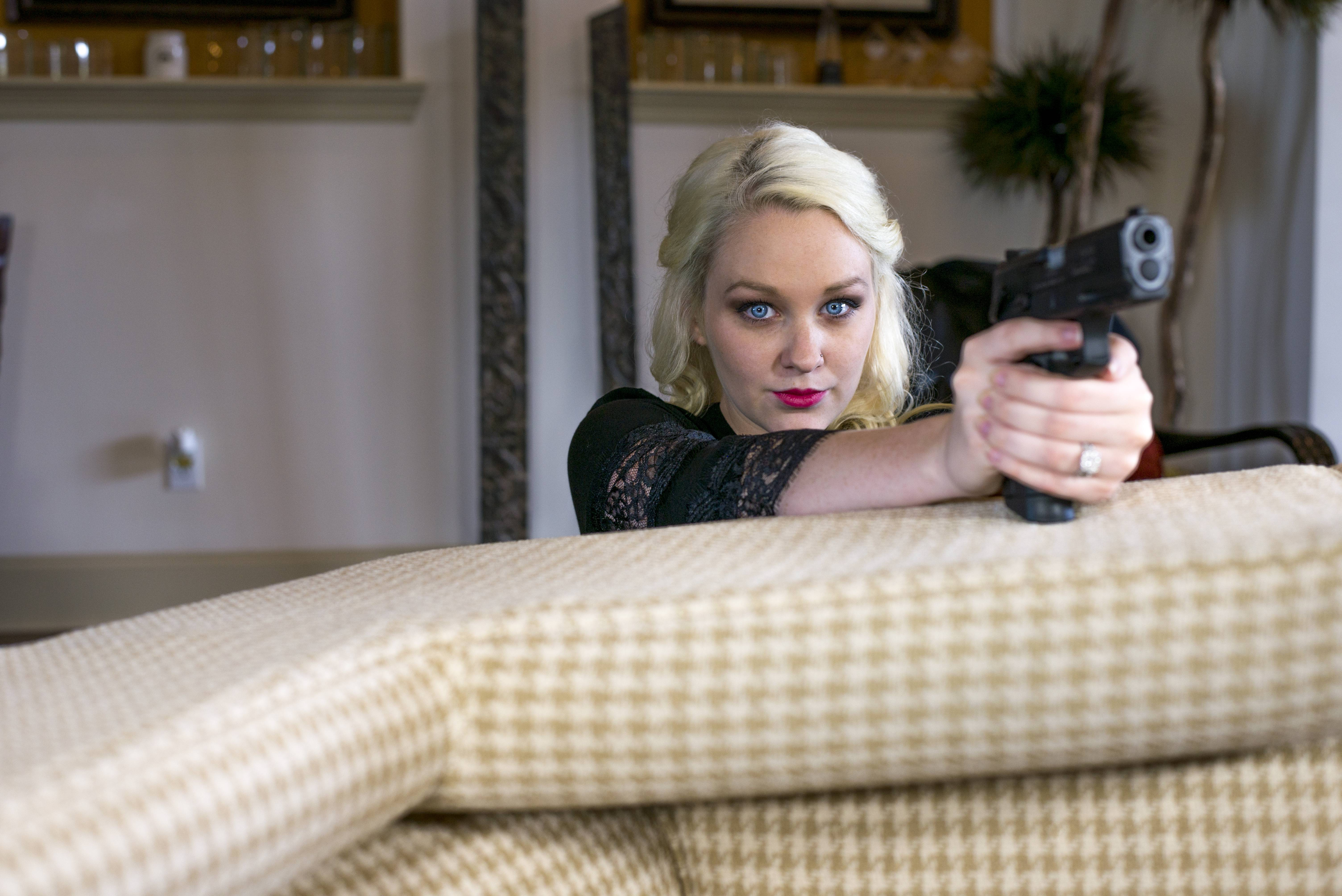 Couple Reenact Mr And Mrs Smith For Their Engagement Photo Album UNILAD mr and mrs smith couple 22