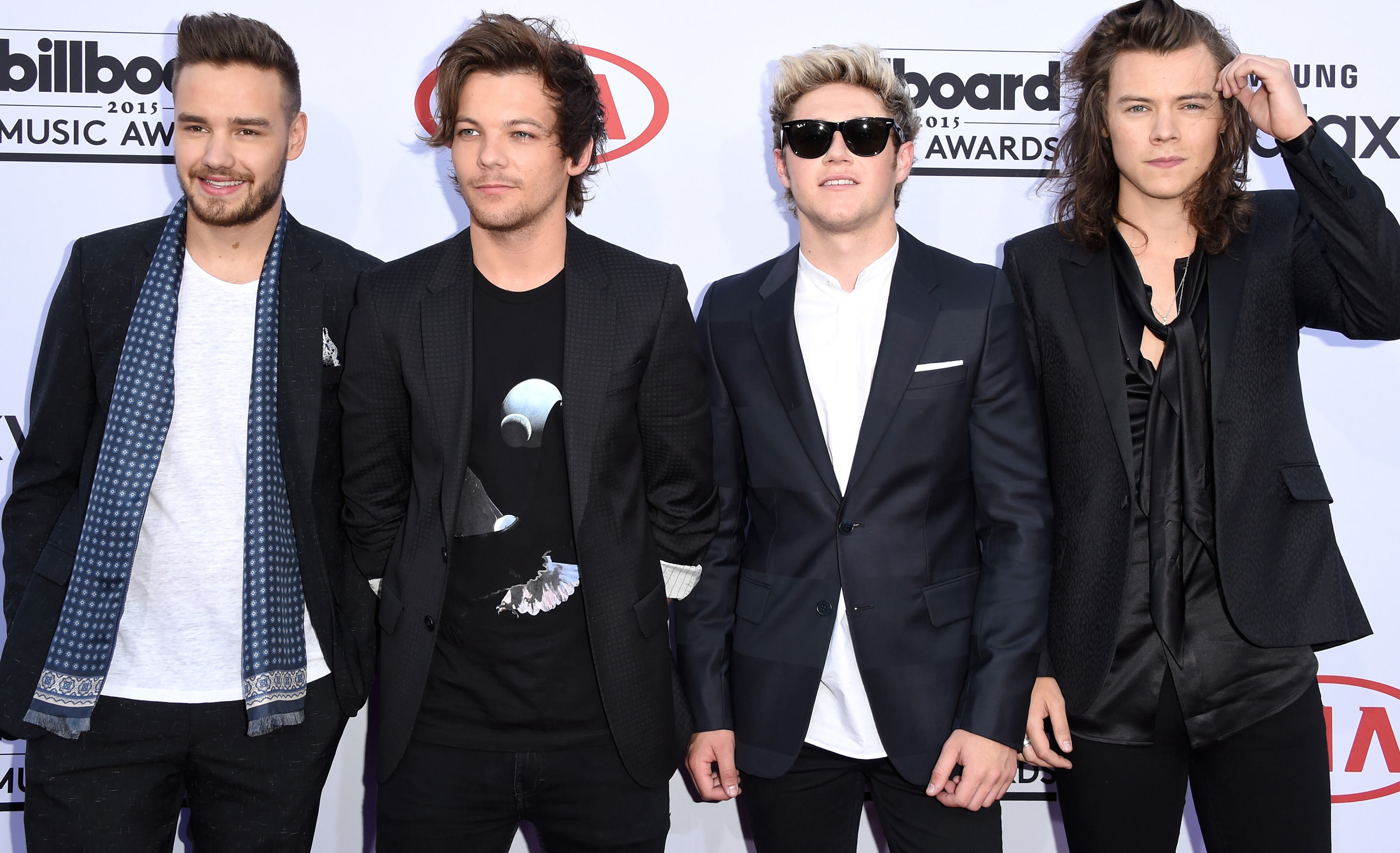 One Direction Split Up Last Night, Heres How The Internet Reacted UNILAD one direction 2015 bbmas4