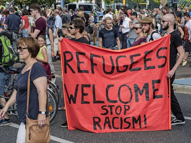 Refugees Welcome: Germany Has An Airbnb Initiative For Asylum Seekers UNILAD refugees welcome6