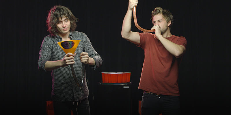 Former College Roommates Totally Fail When Playing Drinking Games UNILAD rm2
