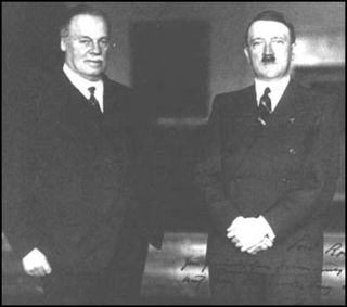 What Happens When You Leave Nazi Propaganda In The Daily Mail Comment Section? UNILAD rothrmere hitler12