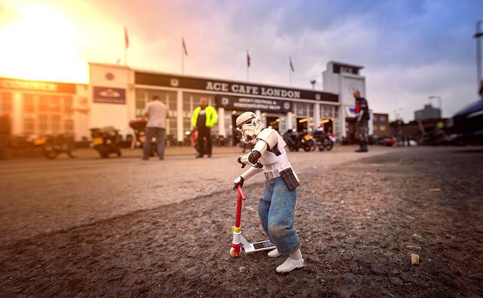 Awesome Photos Imagine What Stormtroopers Get Up To On Their Days Off UNILAD scooter5