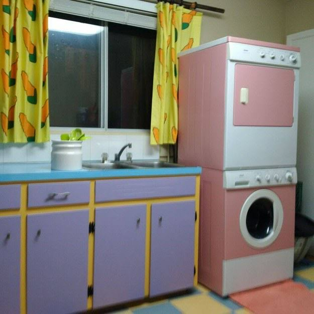 This Couple Transformed Their Kitchen To Look Like The One In The Simpsons UNILAD simpsons kitchen 23