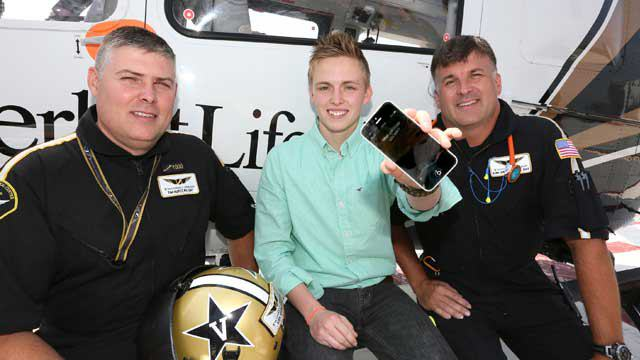 Siri Saves Teenager Who Was Trapped Under A Truck UNILAD siri tennessee 14