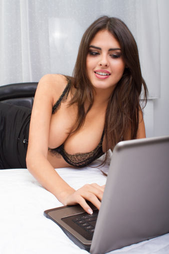 Free Porn Sites Could Potentially Be Shut Down In Months By The Government UNILAD sister sweet dancer on laptop13