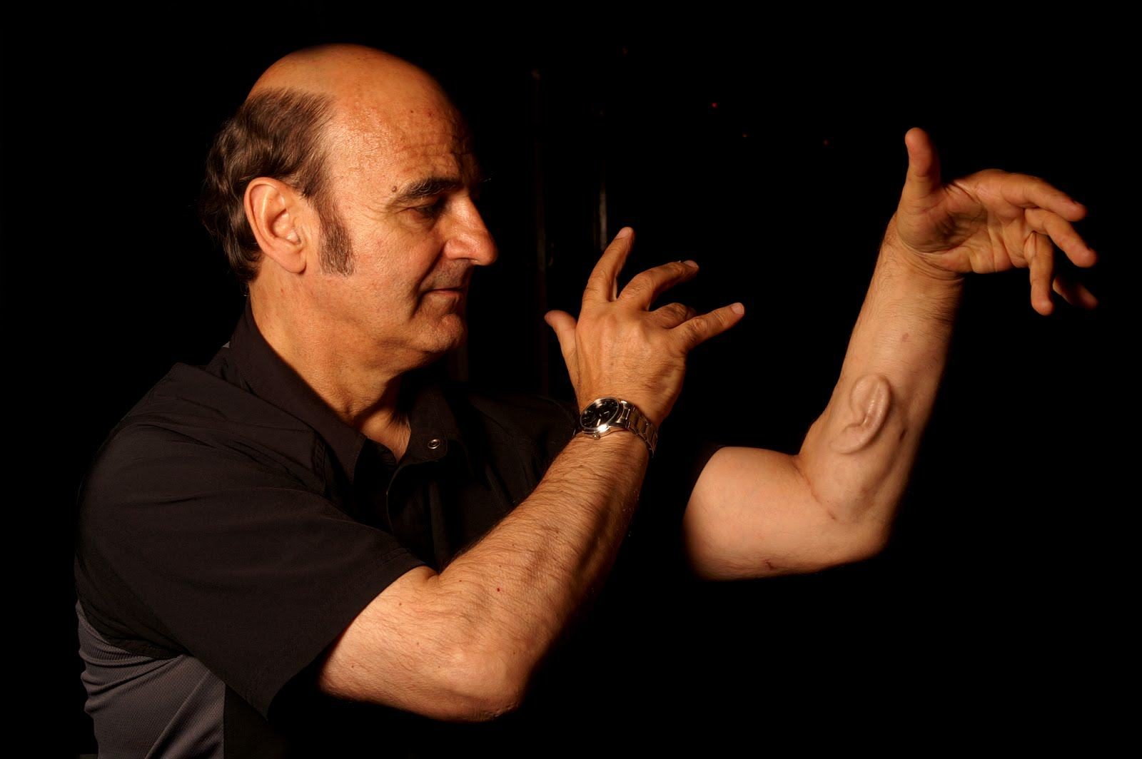 Professor Grows Ear On His Arm That Connects To The Internet, Yep UNILAD stelarc6