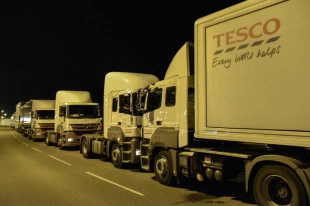 Farmers Block Tesco Delivery Trucks With Their Tractors To Protest Milk Imports UNILAD tesco blockade 25