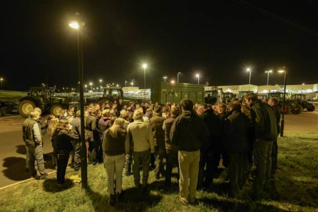 Farmers Block Tesco Delivery Trucks With Their Tractors To Protest Milk Imports UNILAD tesco blockade 32