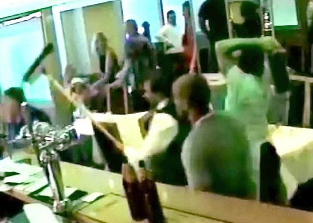 Mass Brawl Kicks Off At Curry House, Staff Defend Themselves With Heavy Pans UNILAD xz19BSHxdI
