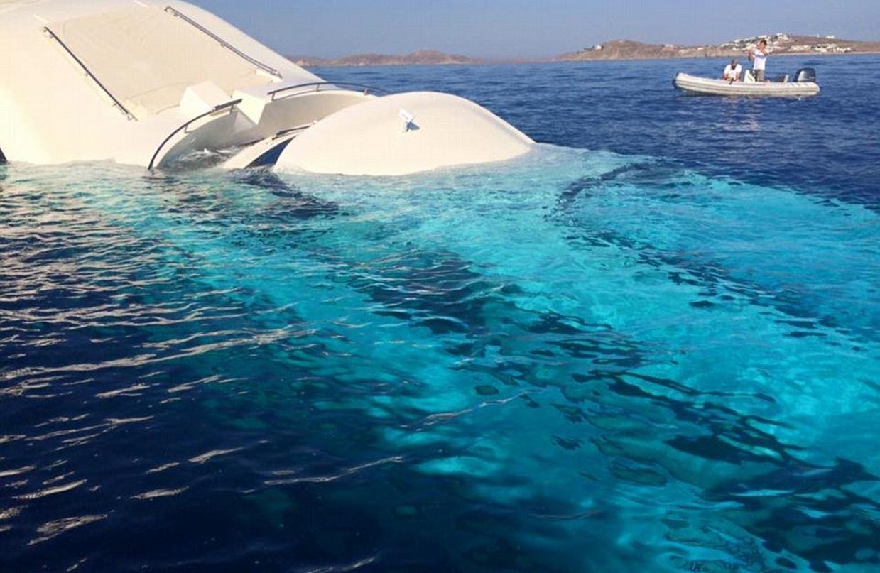 This Incredible £4 Million Yacht Just Sunk And Is Now Destroyed UNILAD yacht sink 14