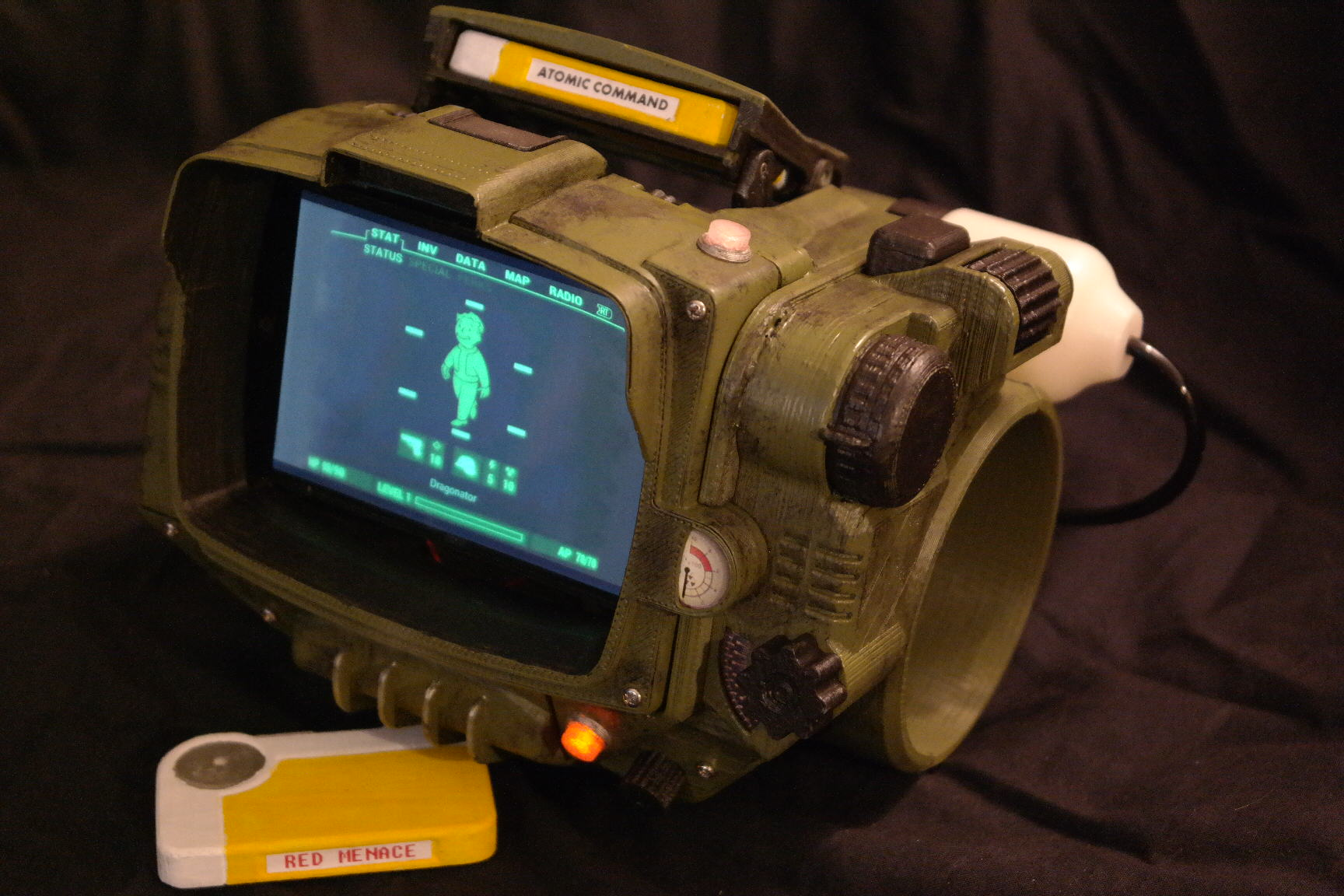 Couldnt Get A Pip Boy Collectors Edition? Now You Can Print One cFotNarKxSAM 3077.JPG