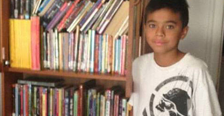 Mail Carrier Collects Books For Boy Who Couldnt Afford Them lxobXAJ9Eflores fb.jpg