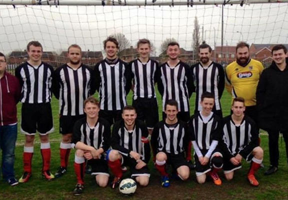 Man v Food Star Sponsors Lincoln Sunday League Team pgxYZoKC0lin web1.jpg