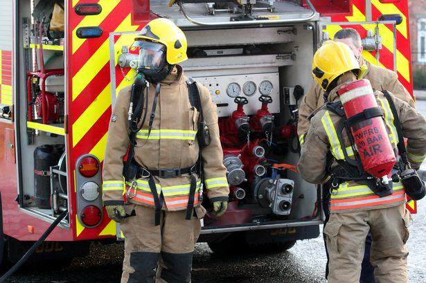 Figures Reveal Just How Many Lives Firefighters Have Saved, And How Many Of Them Have Died On Duty sx82QobpH2.jpg