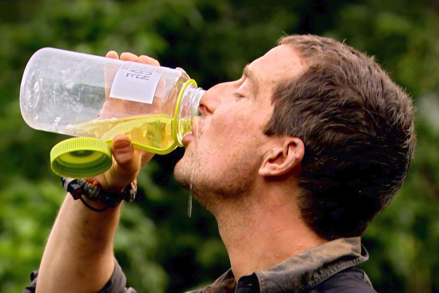 Bear Grylls Sent Out The Most Bear Grylls Birthday Party Invites Ever 01 1b00a6a6 654b 1 2503096a Planet Photos