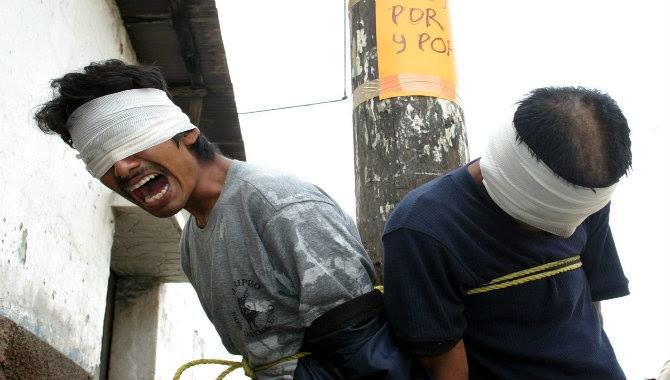 Peruvians Are Delivering Brutal Vigilante Justice To Criminals In The Street 11222581 1612213669066778 4931264392502175279 n