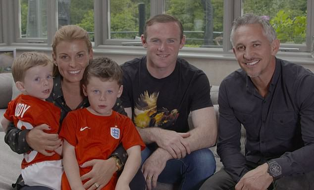 2CDE4FC000000578-0-The_documentary_Wayne_Rooney_The_Man_Behind_the_Goals_to_be_show-m-3_1443478646867
