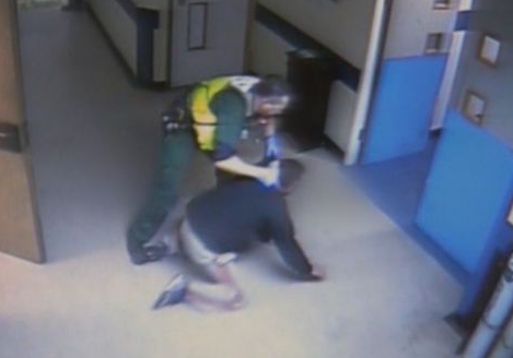 Paramedic Sacked For Man Handling Agressive Drunk At Hospital A And E Screen Shot 2015 09 30 at 01.04.16