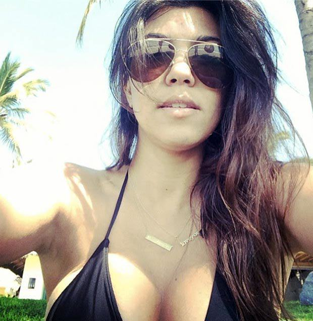 Insane Stats Reveal Selfies Have Killed More People Than Sharks This Year SexySelfies 07 1903812a Kourtney Kardashian