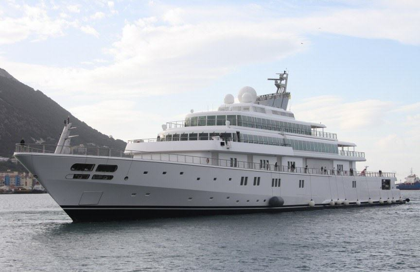 The Worlds Most Expensive Yachts And The Billionaires Who Own Them UNILAD 10y3