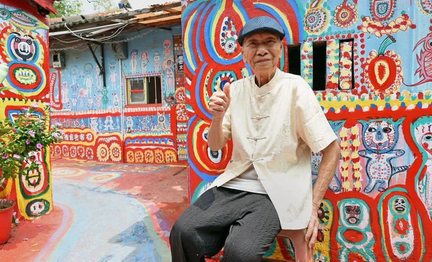 This 93 Year Old Saved His Town By Getting Creative With His Paintbrush UNILAD 1817