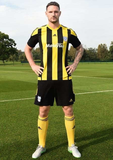Check Out Cardiff Citys New £699.99 Third Kit UNILAD 282