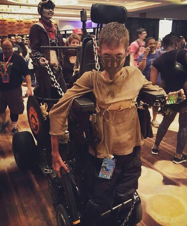 Disabled Lad Turns His Wheelchair Into Badass Mad Max Cosplay UNILAD @bloody ben intsag7