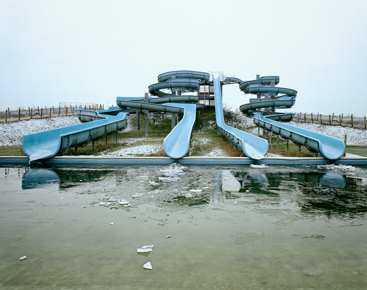 These Pictures Of Vacant Chinese Theme Parks Are Really Creepy UNILAD Aquapark 48