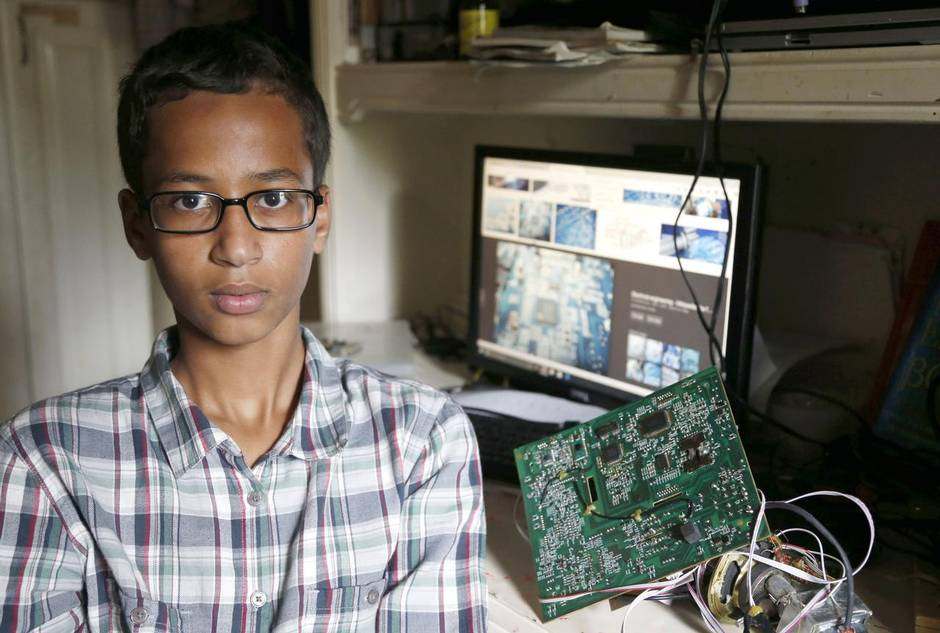 Muslim Lad, 14, Arrested For Taking Bomb Into School, Except It Was Homemade Clock %name