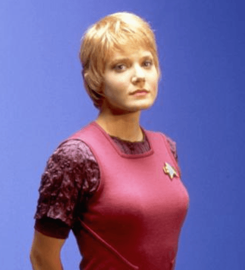 Star Trek Actress Arrested For 'Exposing Herself To Three Young Children' UNILAD Screen Shot 2013 09 13 at 15.33.517