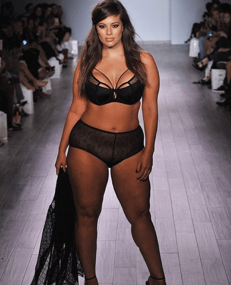 Diversity On The Agenda As Size 16 Model Wows New York Fashion Week UNILAD Screen Shot 2015 09 16 at 20.39.432