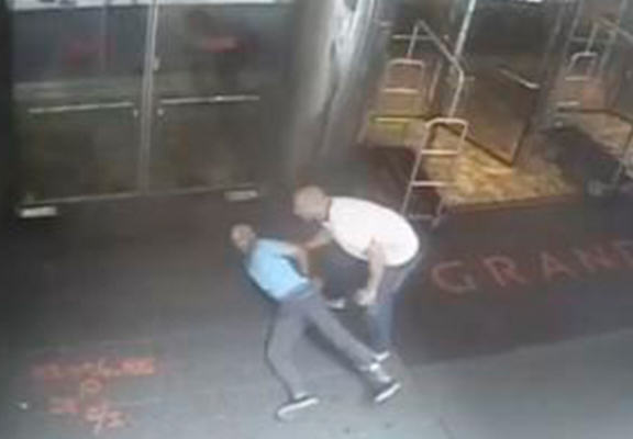 Pro Tennis Player James Blake Mistakenly Tackled And Arrested By NYPD UNILAD blake web3