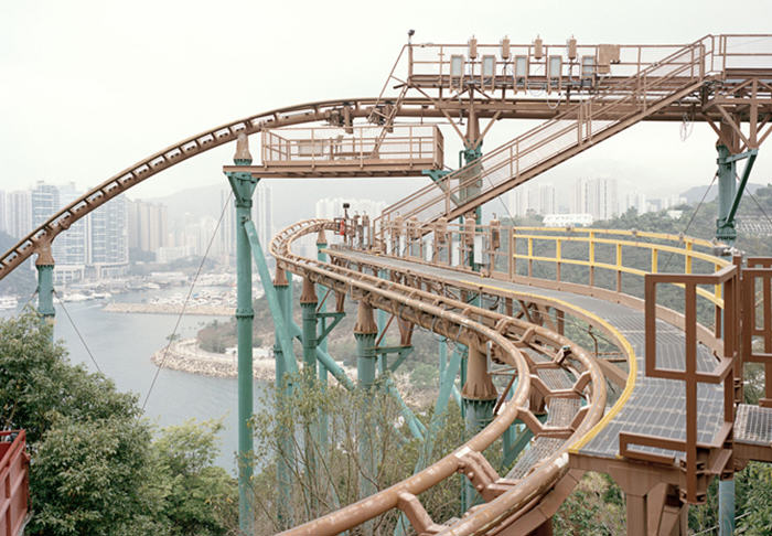 These Pictures Of Vacant Chinese Theme Parks Are Really Creepy UNILAD cerio5