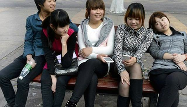 Theres A City In China Where Men Have Three Girlfriends UNILAD chinagirlfriends2 640x366