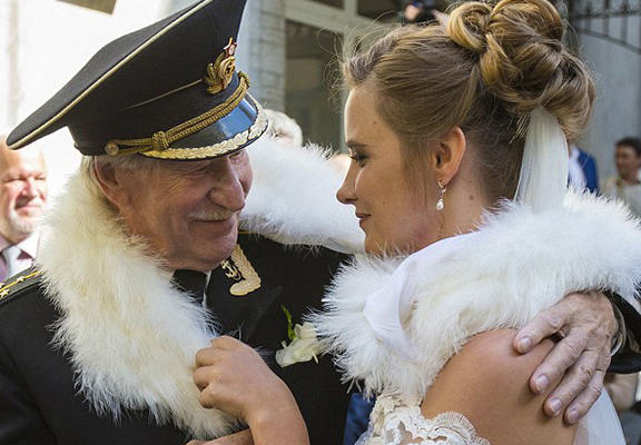 Russian Actor, 84, Marries Woman 60 Years Younger Than Him UNILAD creep web6