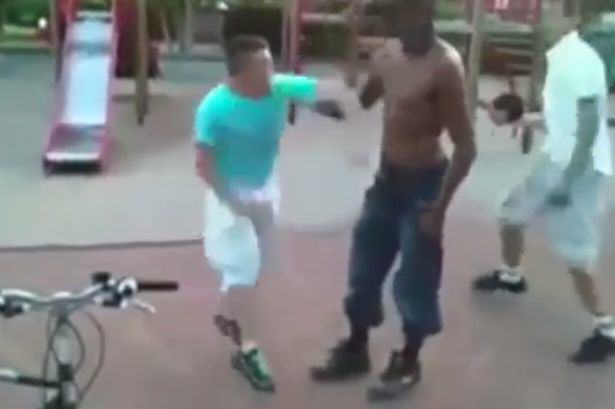 Real Life David Vs Goliath Fight Sees Huge Bully Knocked Clean Out UNILAD dgol2